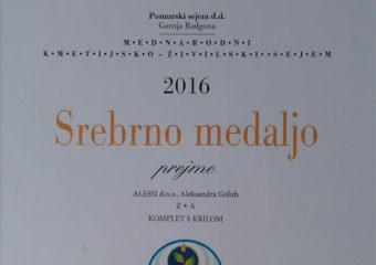2016 – Komplet s krilom